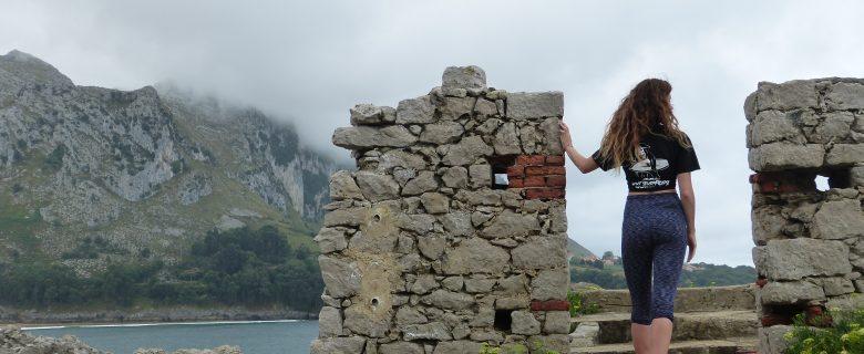 Exploring the ruins of Islaresv
